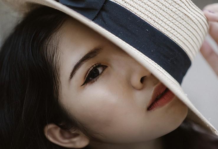eyeliner girl